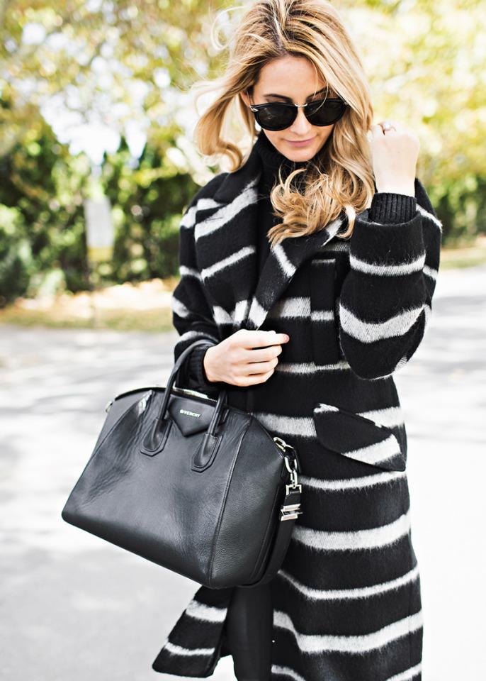 Модное осеннее пальто 2021 принт зебра