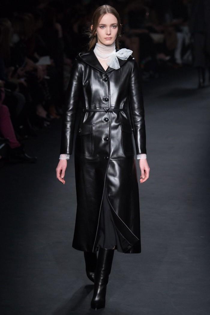 уменьшения модные кожаные женские пальто фото этом разделе