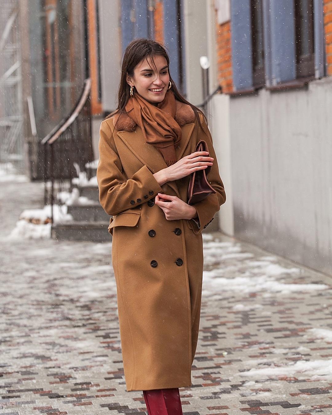 Цвет мокко в одежде: как и с чем носить наряды кофейных оттенков этой осенью фото 4